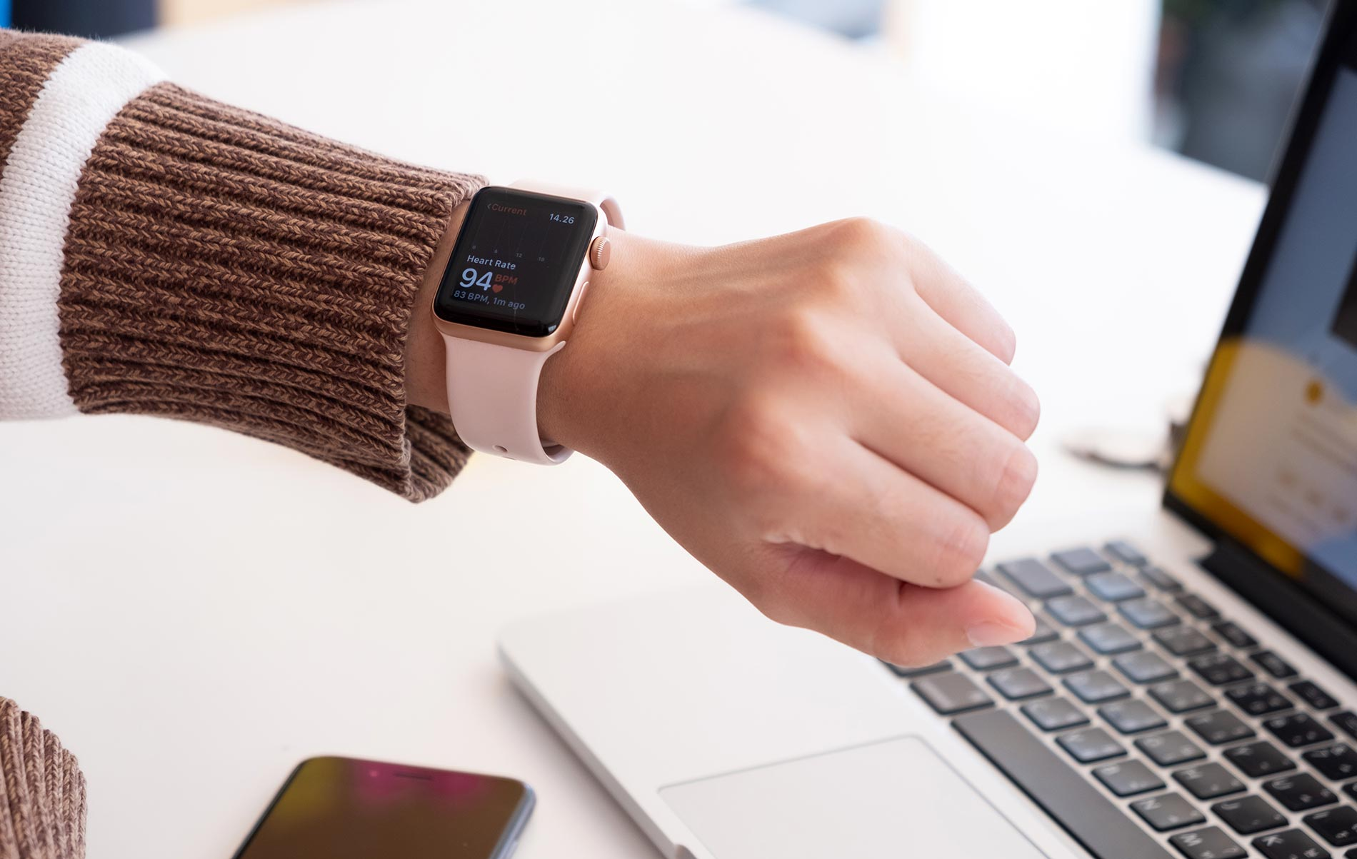Which apps are compatible with Apple watches