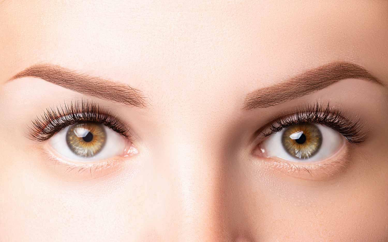 Female eyes with long eyelashes - Healthy eyes